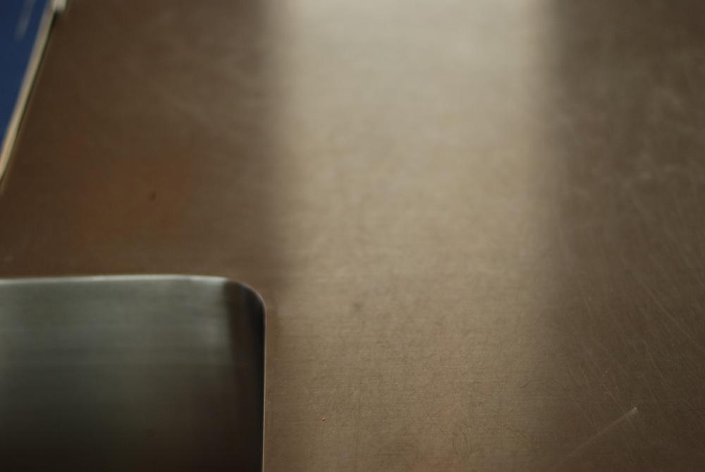 タモとステンレスのI型キッチンとアイランドカウンター