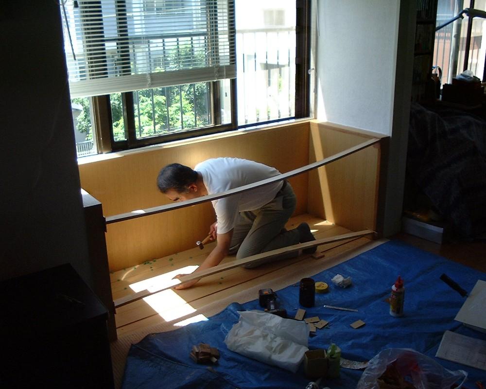 出窓を改装してベンチにリフォーム