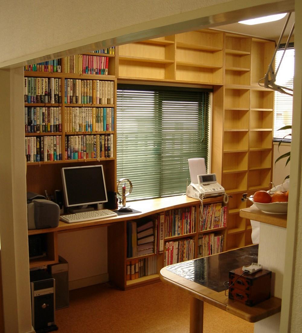 ナラで作るデスク一体型本棚