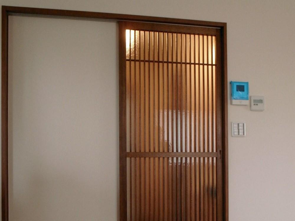 木製格子吊引き戸