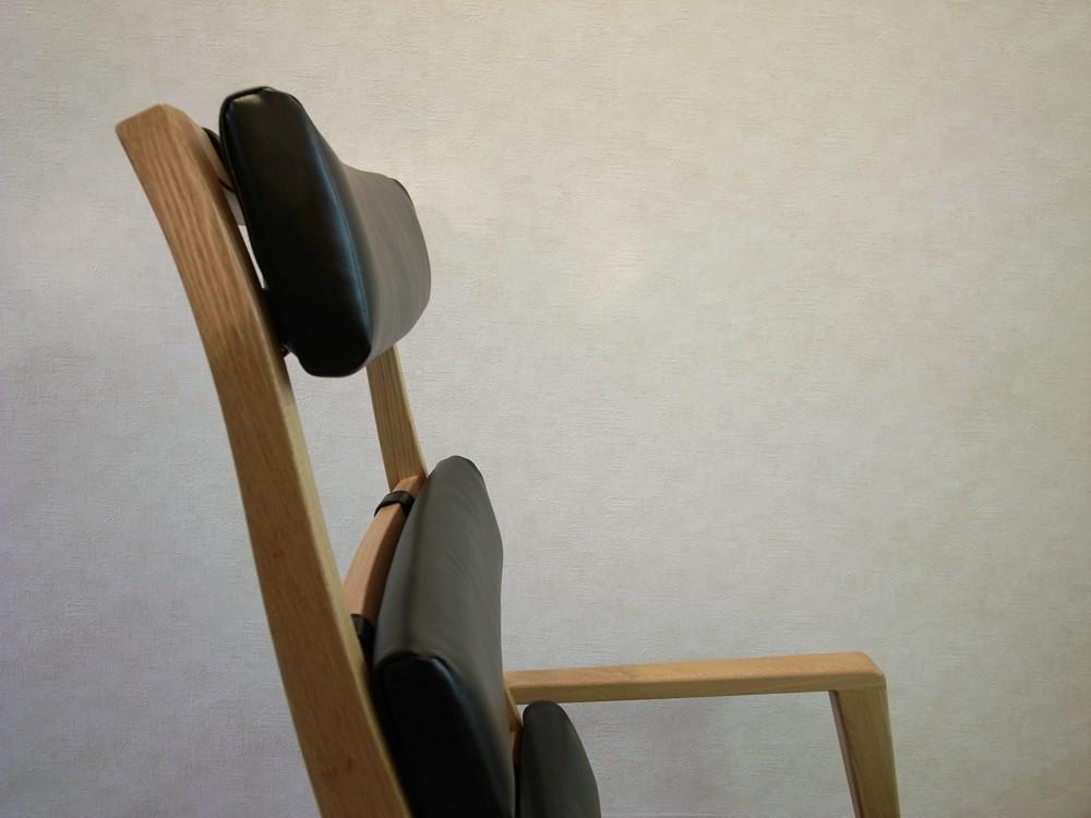 ナラ材で作る洋風座椅子