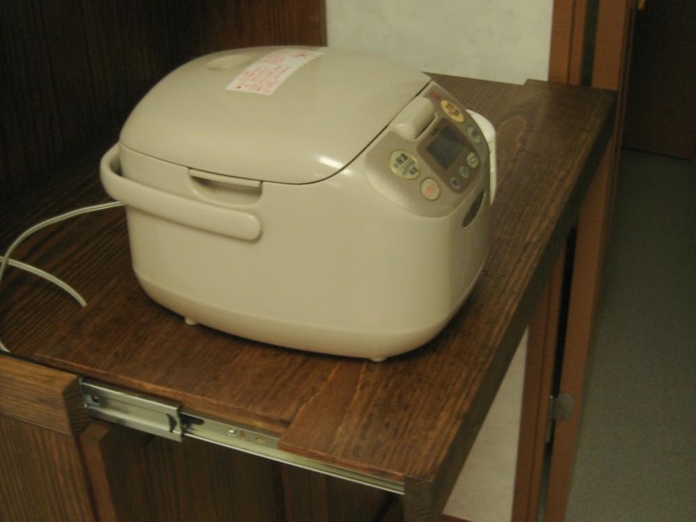 パインのカップボード