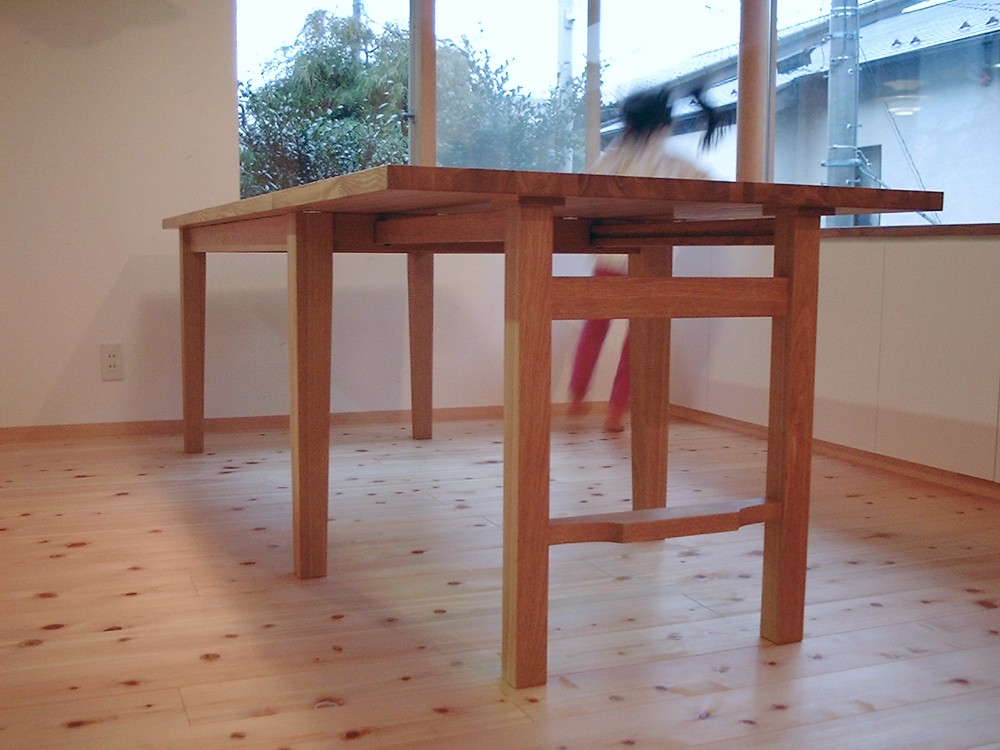 タモのエクステンションダイニングテーブル