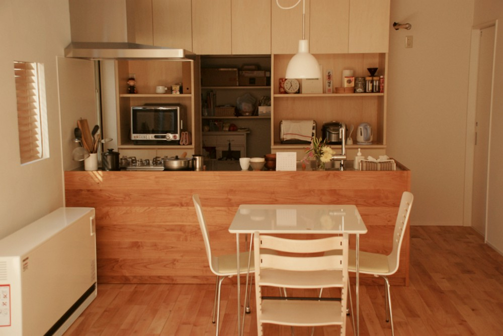 アルダーとステンレスのアイランドキッチン