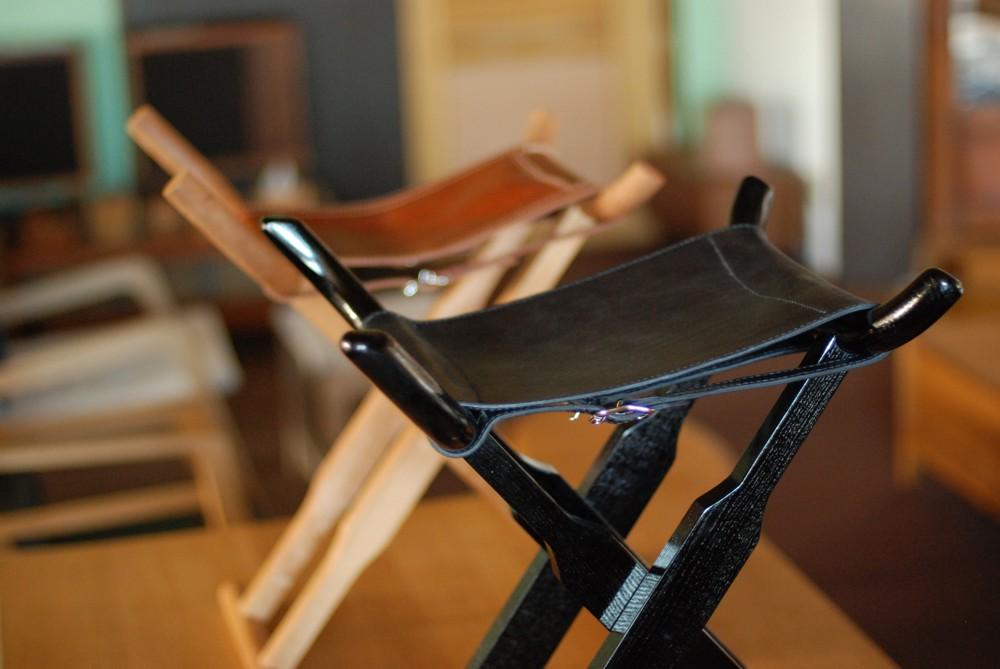 琵琶奏者のための折り畳みスツール