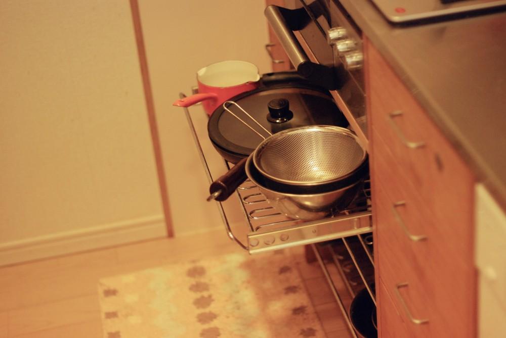 オークとステンレスのセミビルドキッチン