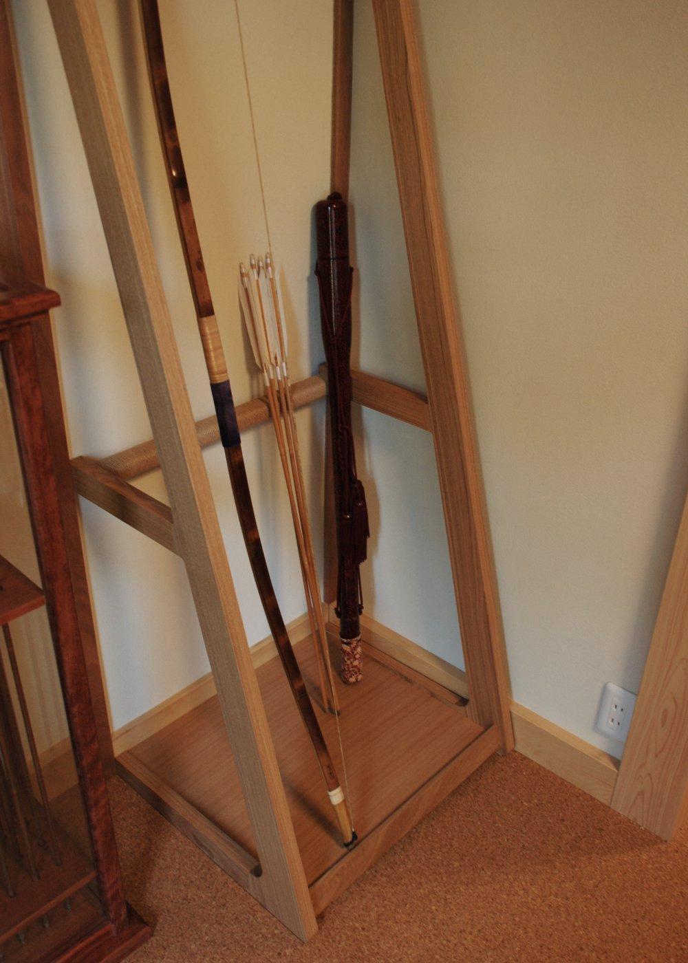 紫檀とタモで作る家具たち