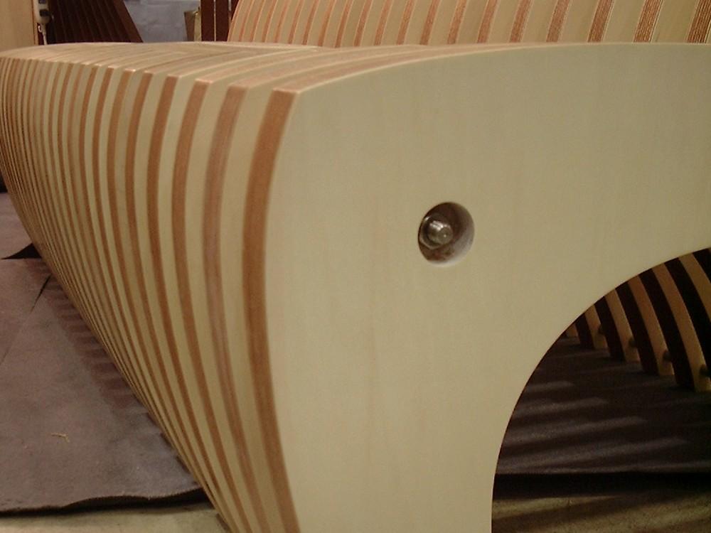 積層シナベニヤで作る折り畳み式ベンチ
