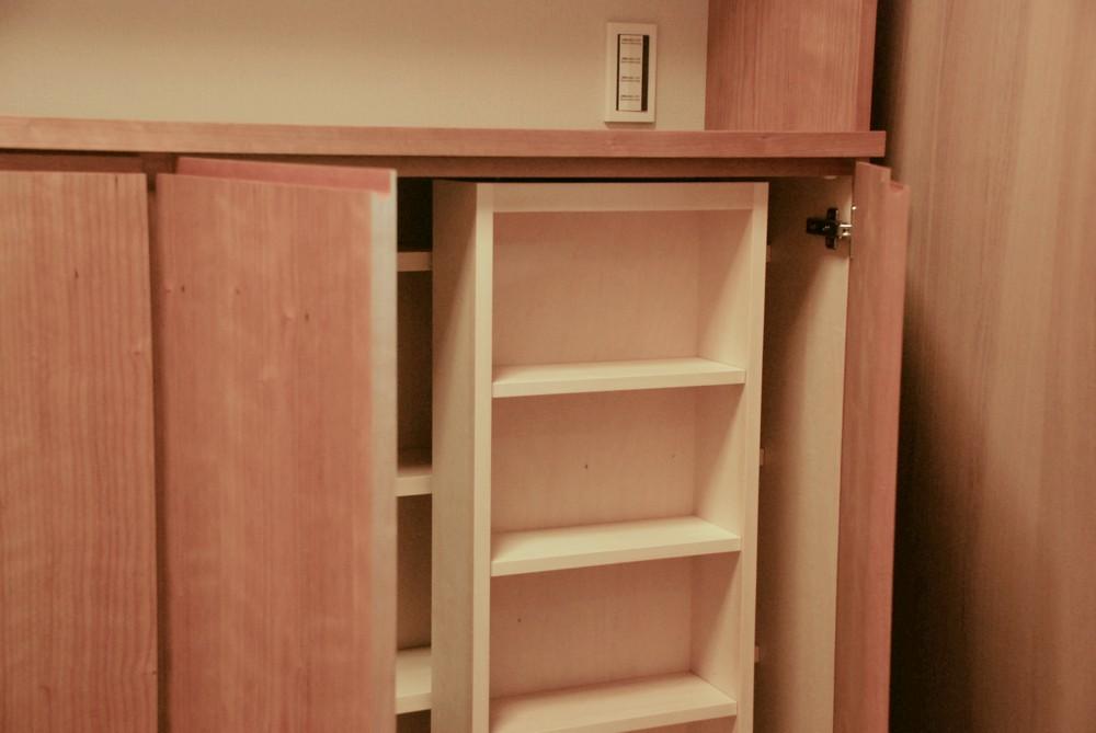 チェリーを使ってスライド書棚のL型の書庫を作りました