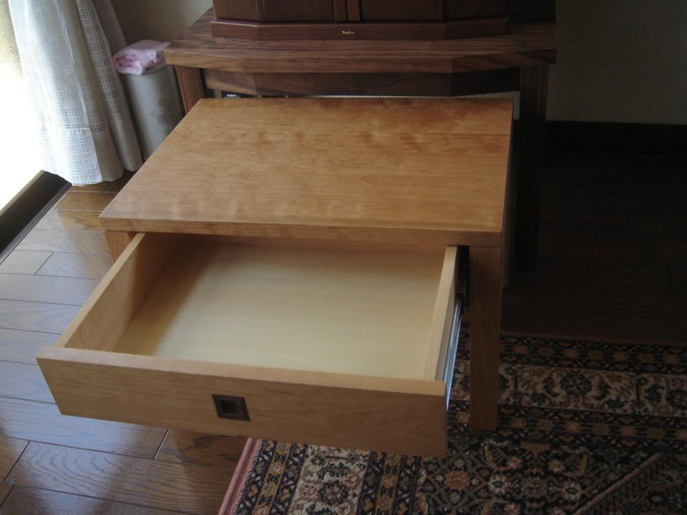 チェリーとウォールナットのお仏壇の台と経机