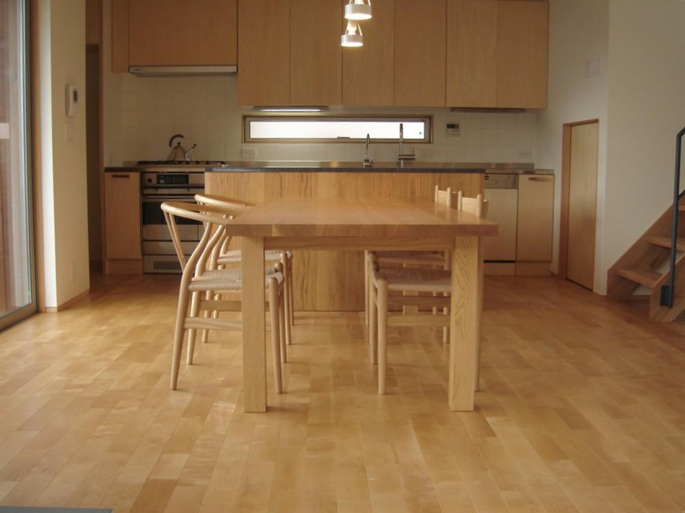 2メートルのナラのダイニングテーブル