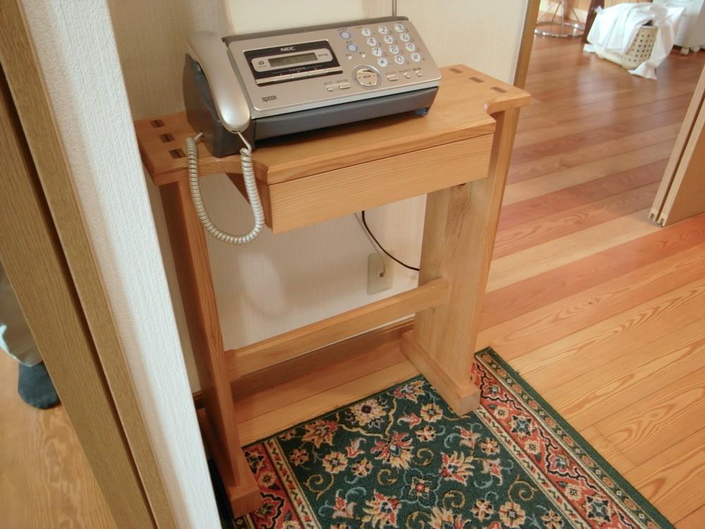 古いカウンターをリフォームしてモダンなコンソールテーブルに