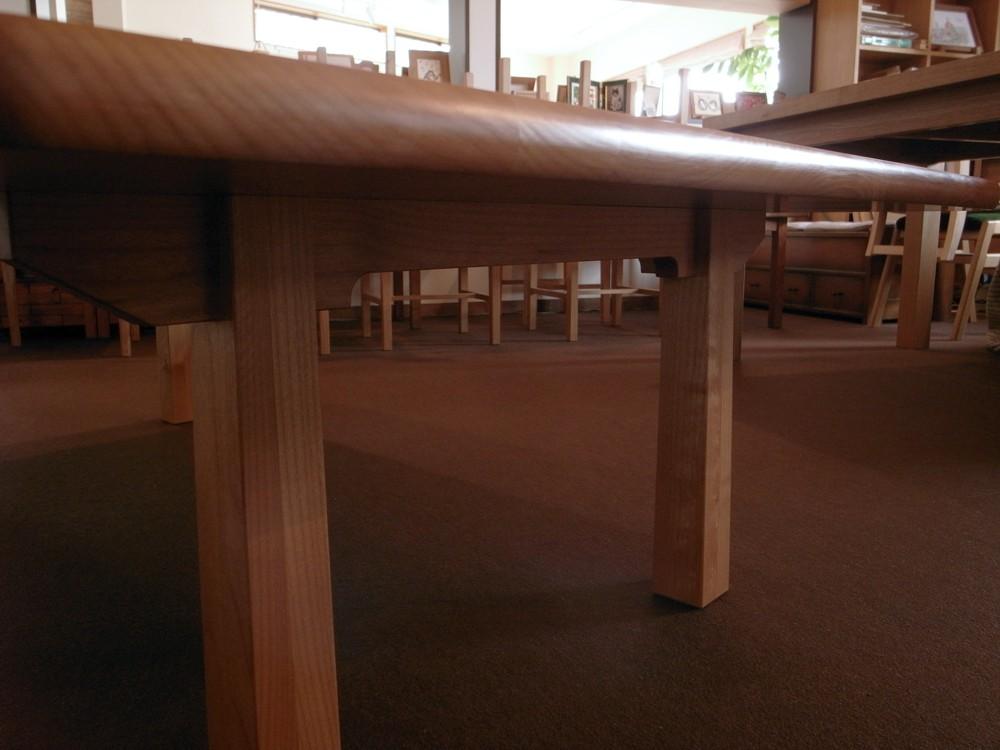 アルダーの座卓