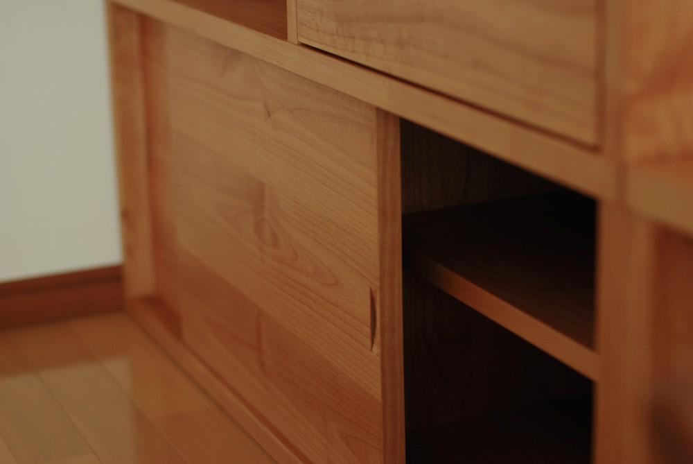 アルダーの子供用デスクや本棚
