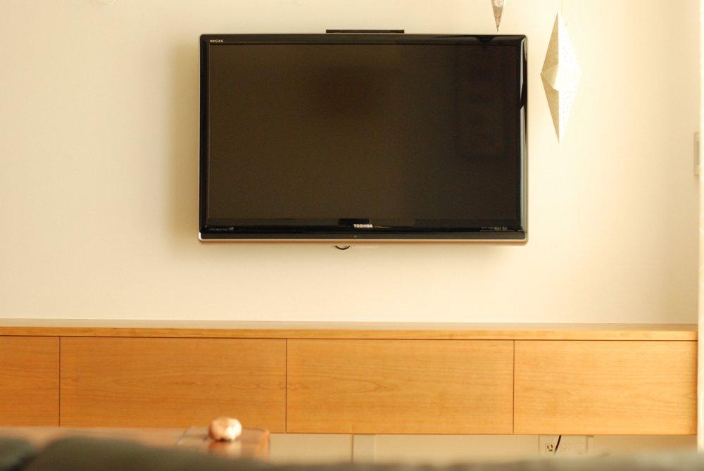 扉を閉めてもリモコンが効くテレビボード