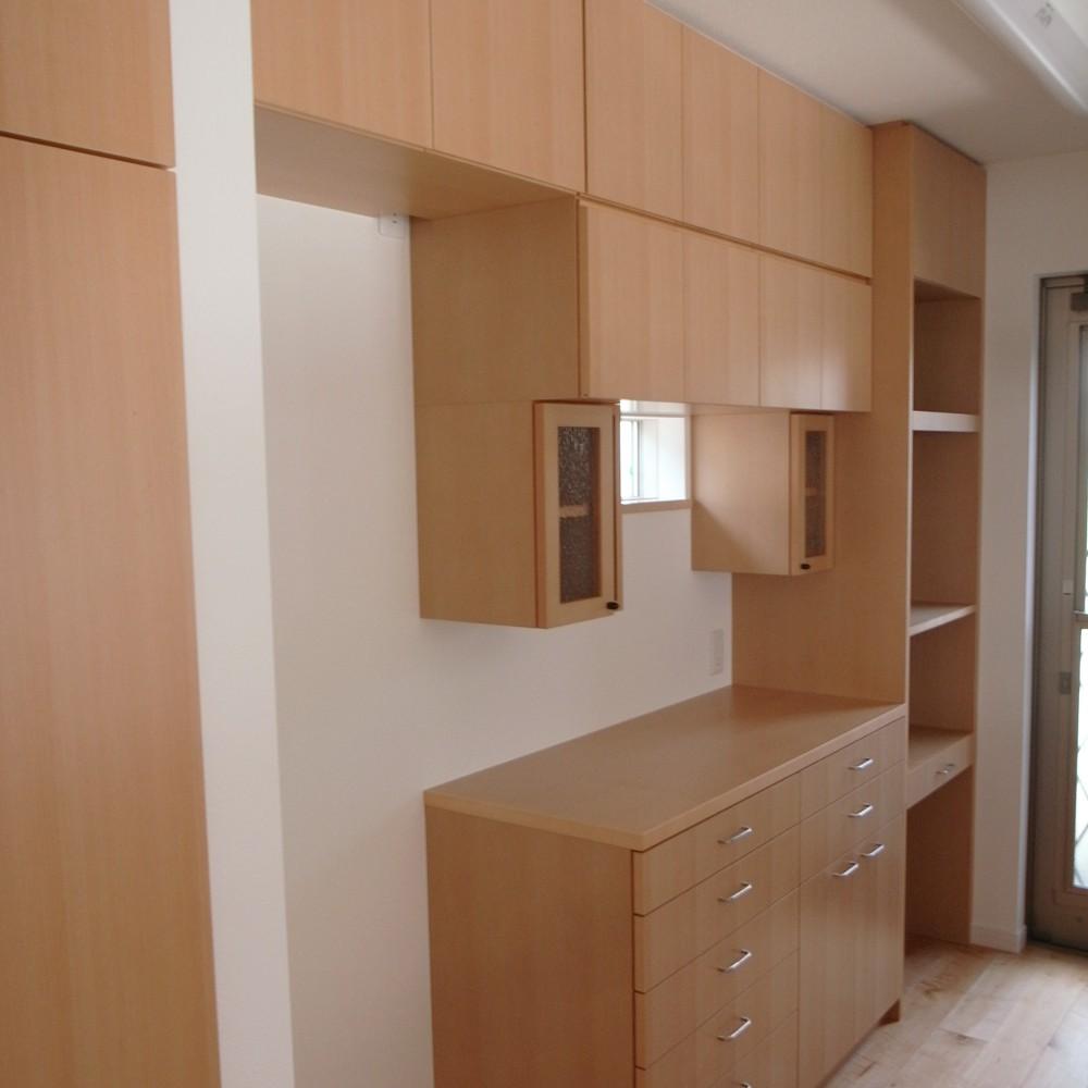 ブナの家電収納と食器収納
