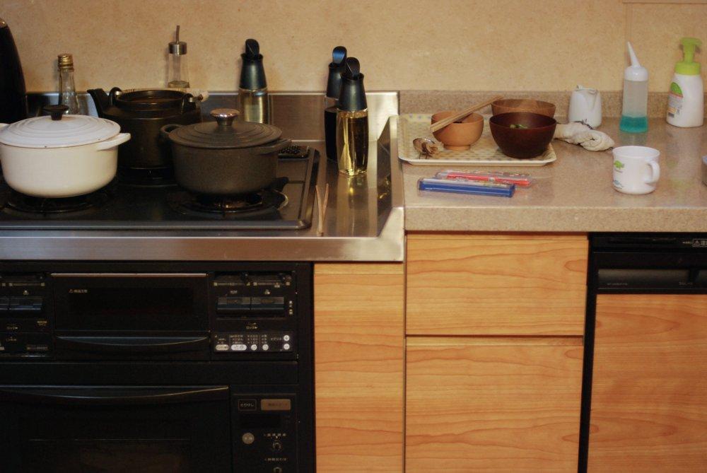 アルダーのテーブルとキッチン面材交換でプチリフォーム