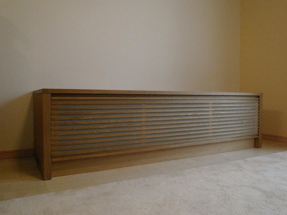 オーク柾目のオーディオボードと食器棚