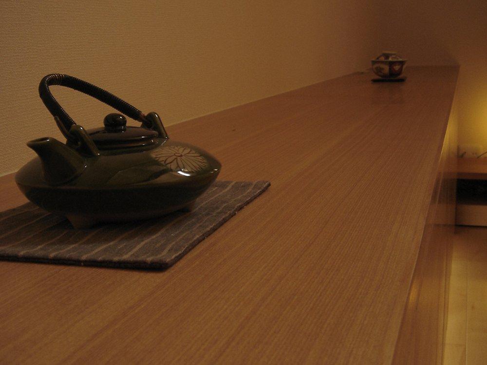 タモ柾目のリビングテレビボード