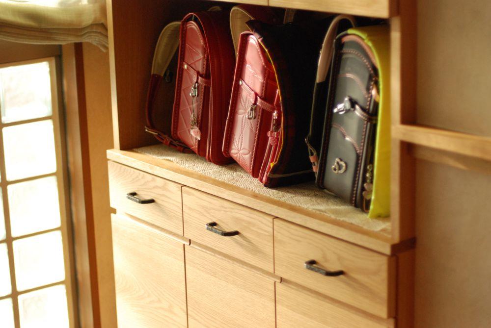 ランドセル収納と子供用整理棚