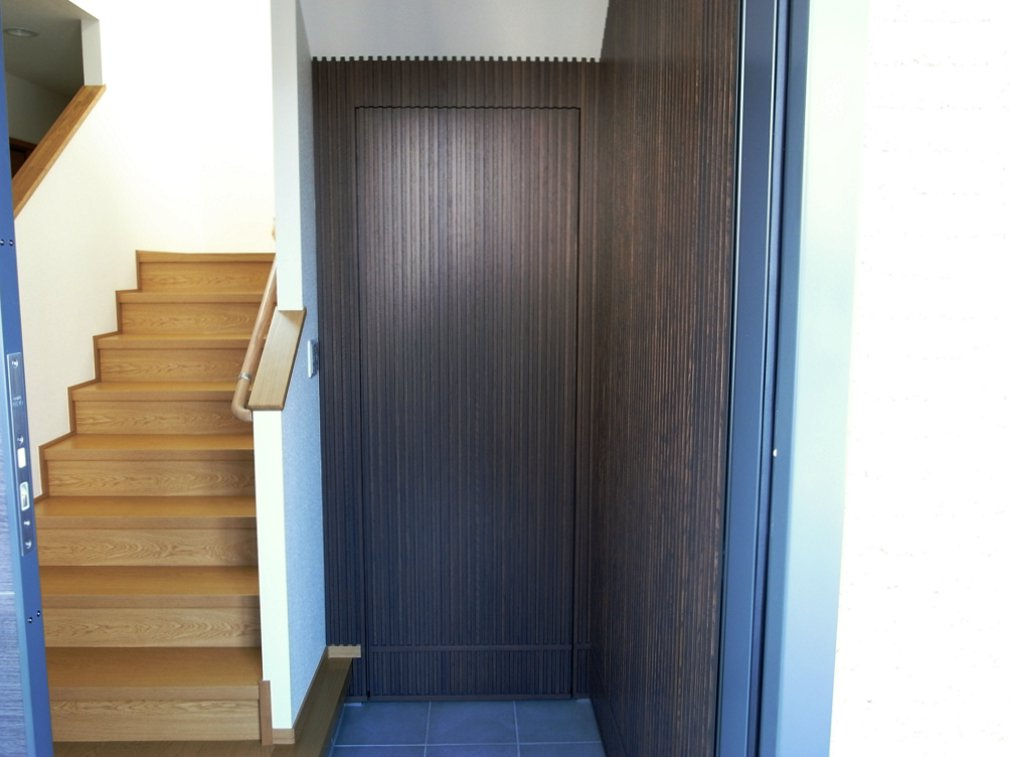 玄関に納戸を作る