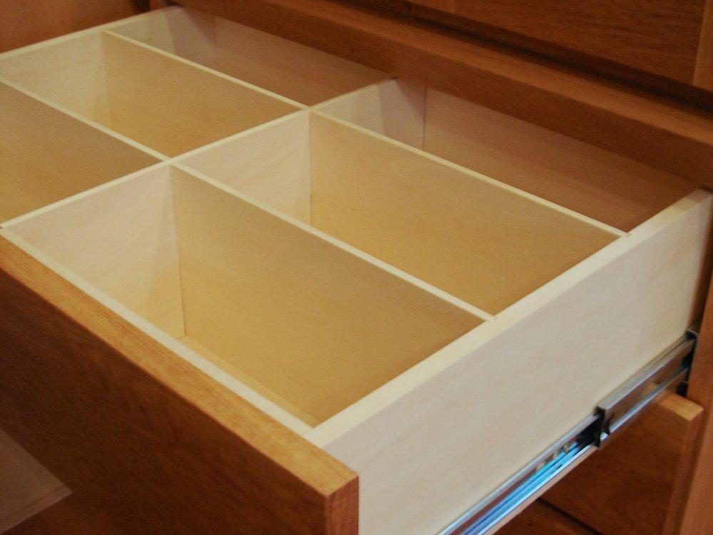 ナラの無垢で作ったテレビボードとキュリオケース