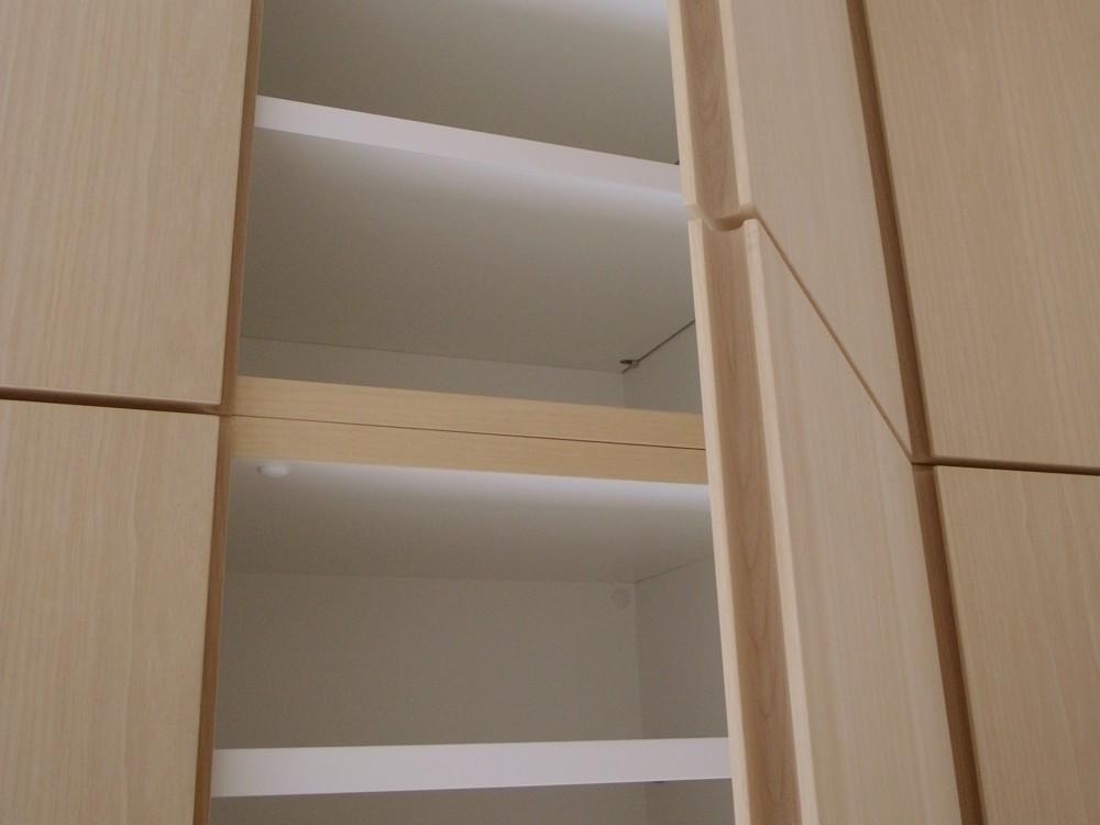 アルダーとシルバーハートで作った玄関収納