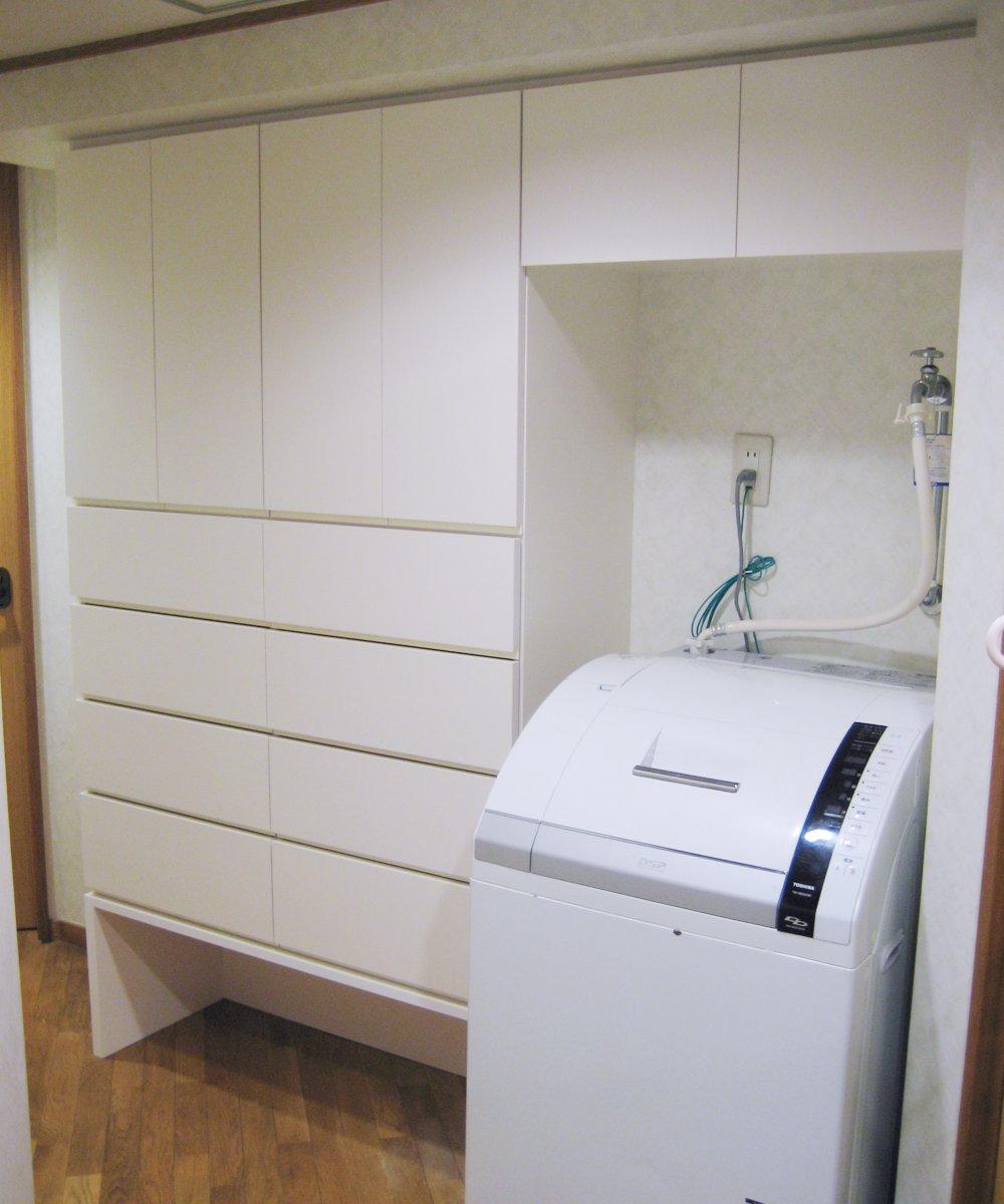 洗面室の多目的収納