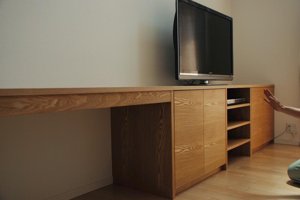 タモのデスク一体テレビボード