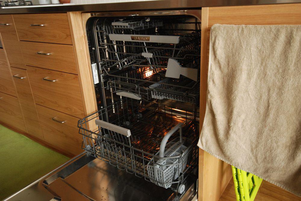 長さ4500mmのタモとステンレスのキッチン