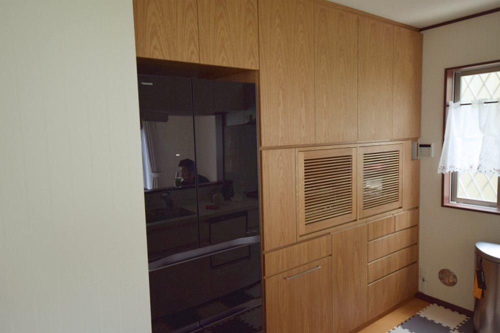 オークで作る食器棚と冷蔵庫上収納