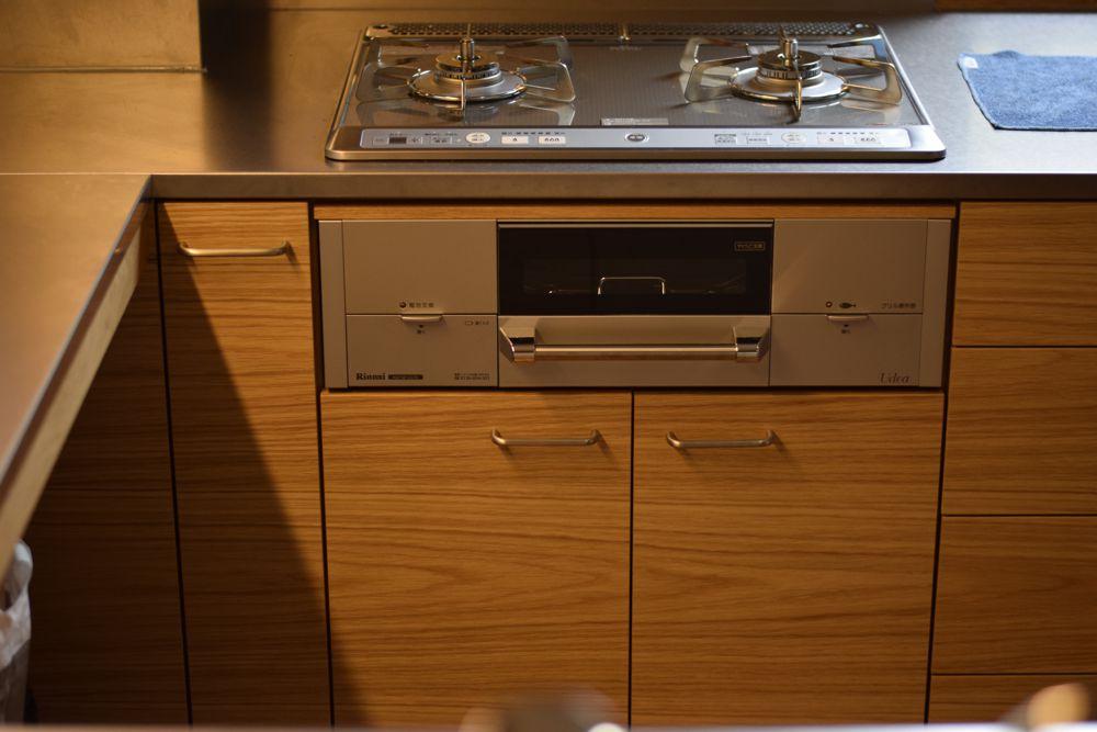 2階のキッチンリフォーム。コの字型の使いやすいキッチンの提案。