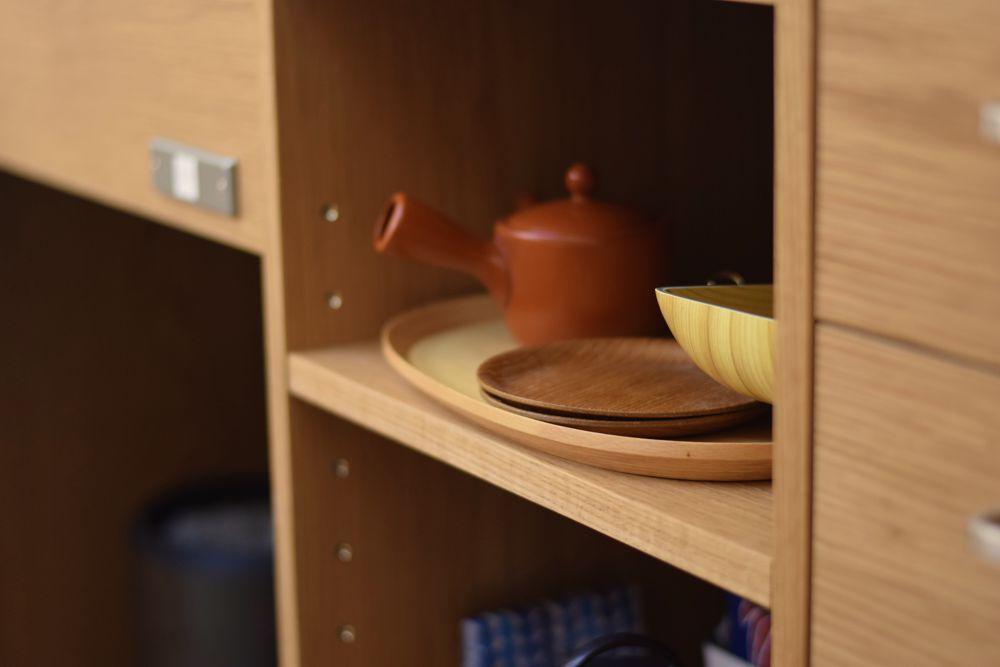 オーダーキッチン内部のお茶をしまうスぺース