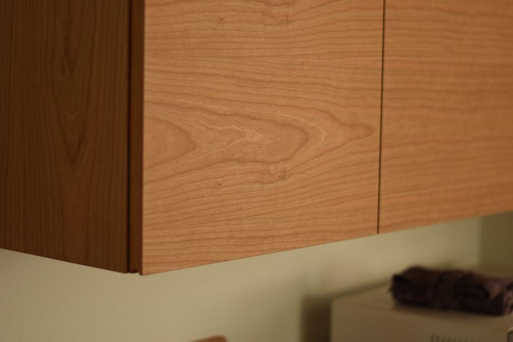 ステンレストップのチェリー材を使った食器棚