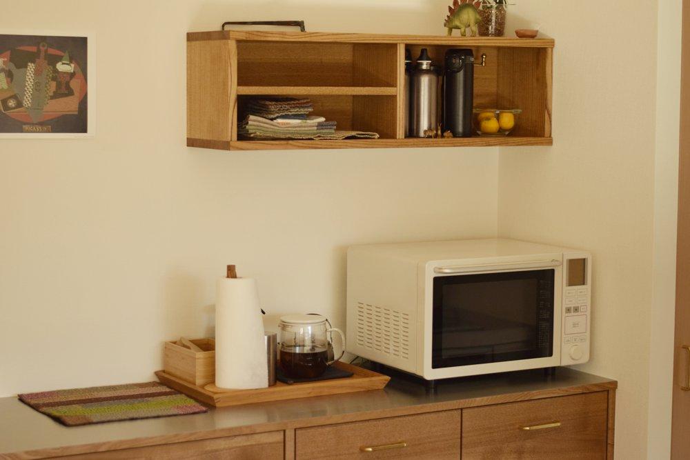 タモとステンレスを使ったキッチンバックカウンター