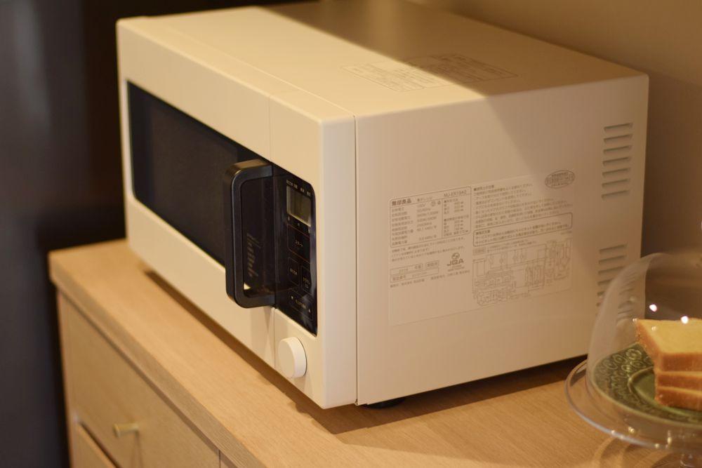 ナラ柾ホワイトオイル仕上げの食器棚