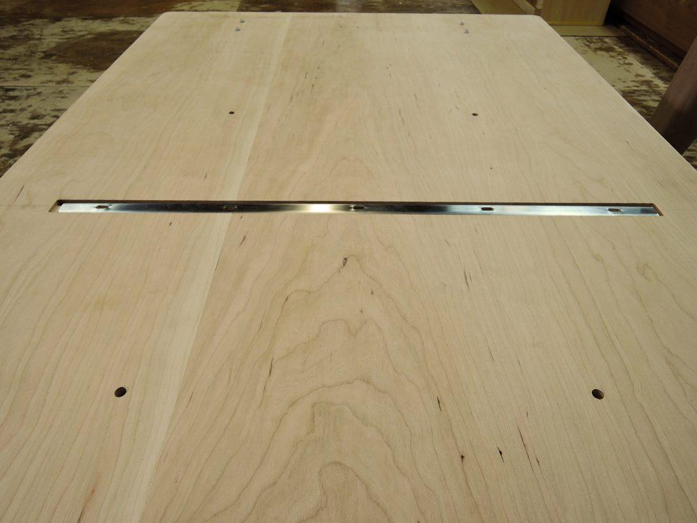アメリカンチェリーのダイニングテーブル