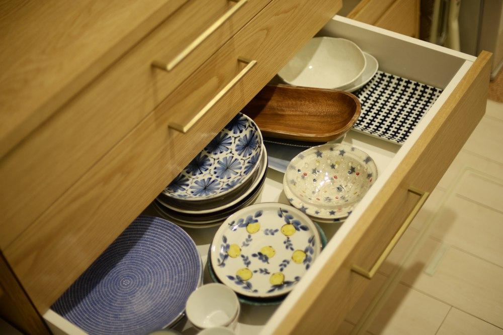ナラの食器棚