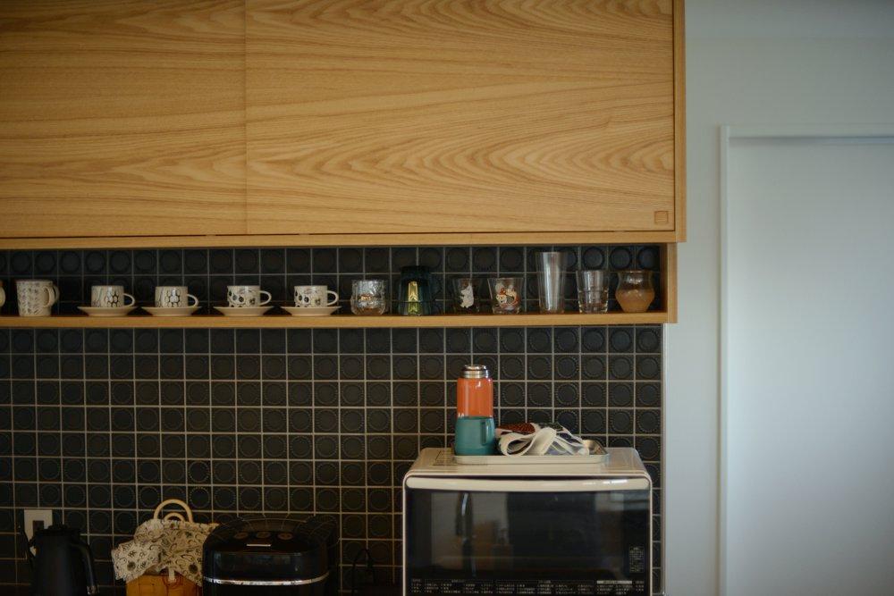 ステンレスとタモ材を使ったセパレートキッチン