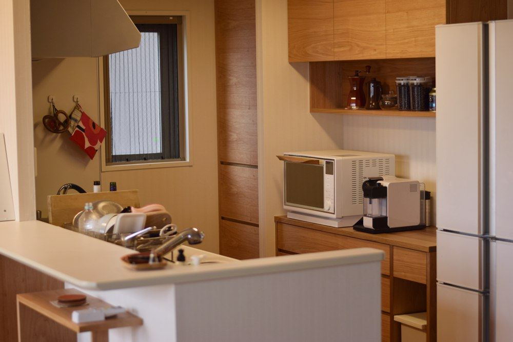 クルミのセパレートタイプの食器棚