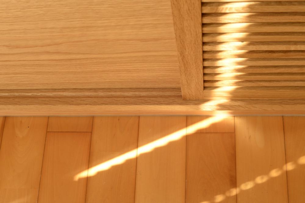 プチリノベーション、オークのリビング壁面収納