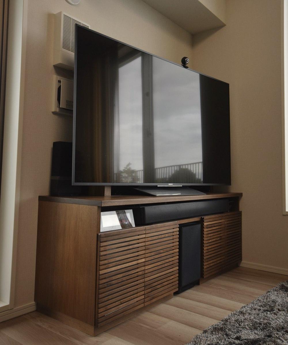 ブラックウォールナットの本棚とテレビボード